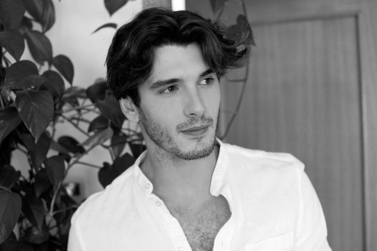 Yon Gonzalez sexy